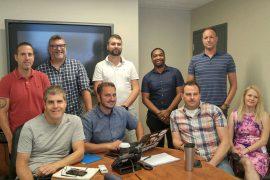Une partie de l'équipe des ressources informationnelles en pleine action.