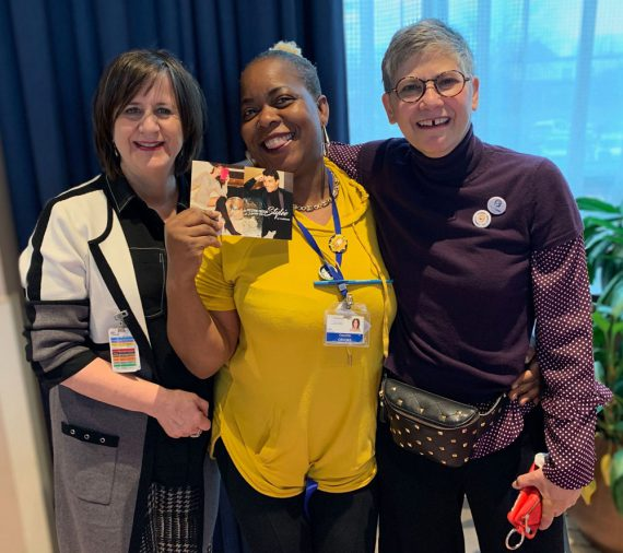 Conchita Crooks, an orderly at Donald Berman Maimonides, celebrates with Beverly Kravitz, Director of Human Resources, Communications, Legal Affairs and Global Security at CIUSSS West-Central Montreal (left) and Francine Levi (right) of the HR Employee Engagement and Recognition Team. In addition to enjoying a meal with colleagues, Ms. Crooks won a gift certificate to Le Château!