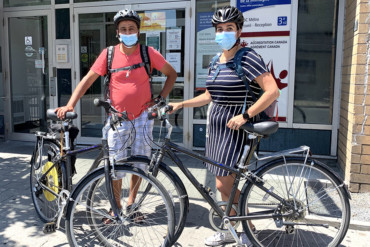Auxiliary Nurse Mohammed Noucair (left) and Occupational Therapist Christine Magnan (right), rely on the CIUSSS bike-share program to do homecare visits with seniors out of CLSC Metro