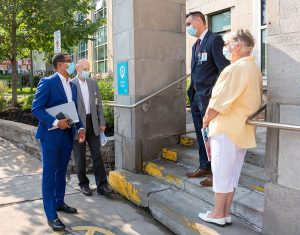 Deputy Health Minister Lionel Carmant (left) speaks to senior leaders from CIUSSS West-Central Montreal during his visit at the JGH on August 10. From left: President and CEO Dr. Lawrence Rosenberg, Assistant Executive Director Dan Gabay and Associate CEO Francine Dupuis.