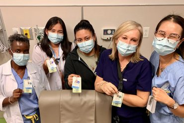 Nurse Clinicians in the Medical Day Hospital of the JGH show off the cards that list the languages they speak in addition to French and English. From left: Marie-Danielle Graville (Creole), Herdie Dimapasok (Tagalog), Francine Aguilar Romero (Spanish), Yolanta Kicinska (Polish) and Tiffany Qiu (Chinese).